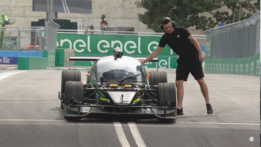 Dieses selbstfahrende Auto versucht, Drift-Profi Ryan Tuerck zu schlagen