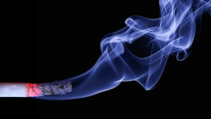 Rauchverbot im Auto: Ab heute kann gestraft werden
