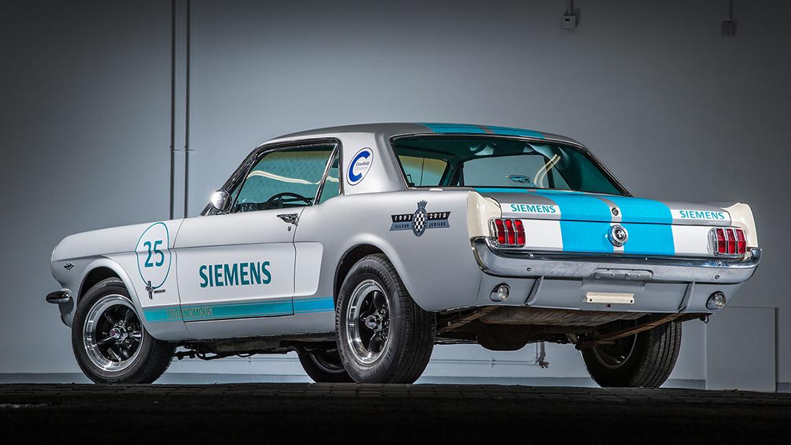 1965er Ford Mustang Siemens Goodwood Hillclimb autonom