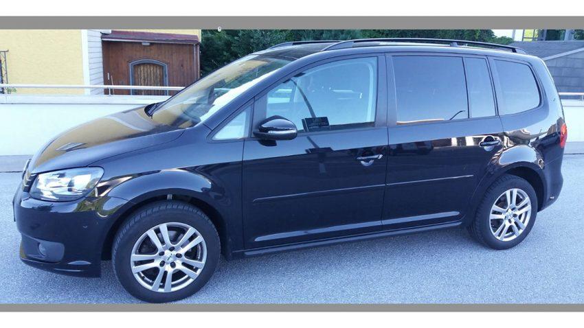 VW Touran schwarz met. Trendline 1,6 tdi DSG