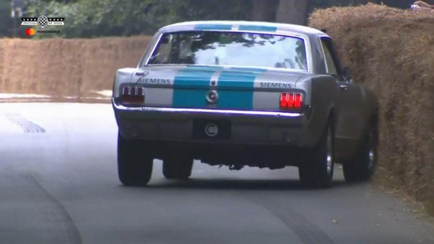 Selbstfahrender Ford Mustang fuhr selbst gegen die Wand