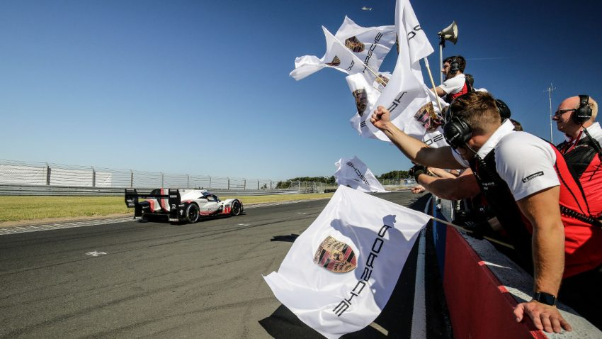 Schwindelerregendes Onboard-Video von Porsches neuer Nürburgring-Rekordrunde