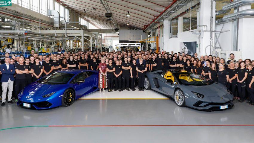 Lamborghini feiert den 8.000sten Aventador - und will in Zukunft auf Hybrid-Antriebe setzen