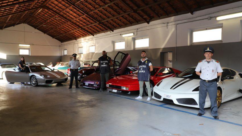 Steuerschulden: Italienische Finanzpolizei beschlagnahmt 20 Luxusautos