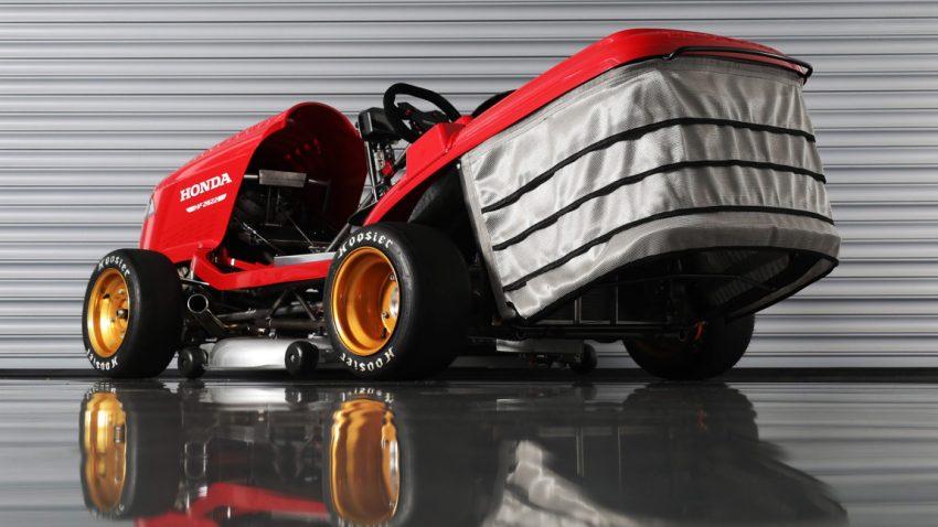 Hondas 241 km/h-Mean Mower mäht den Rasen vor dem Goodwood Festival Of Speed