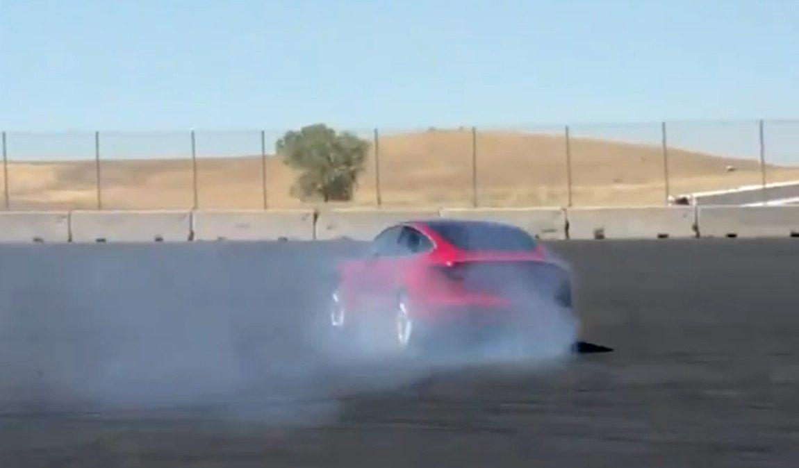 Teslas Model 3 zeigt, was es kann