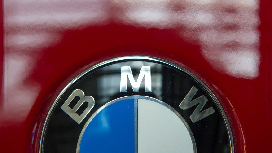 BMW ruft in Europa fast 324.000 Autos zurück