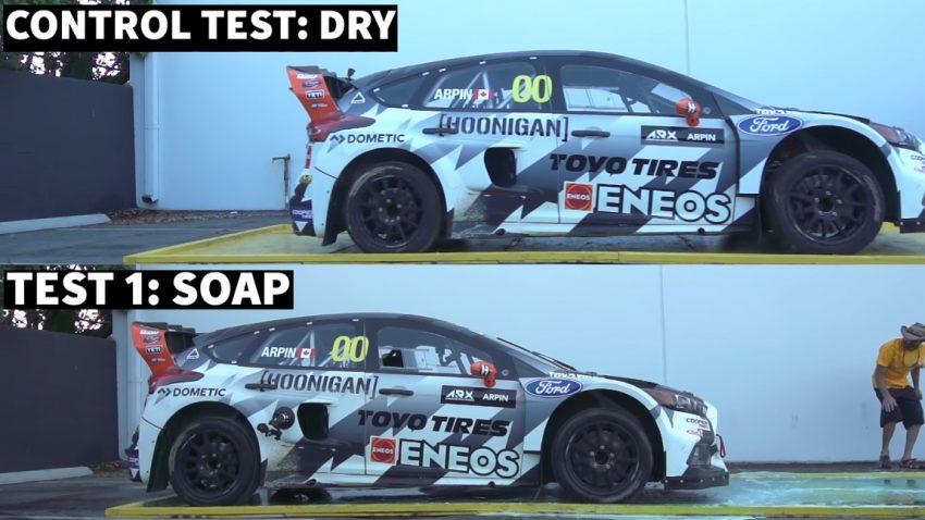 Rallycross-Auto gegen Geschirrspülmittel