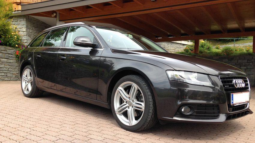 Gebrauchtwagen zu verkaufen Audi A4 Avant 30 TDI Quattro
