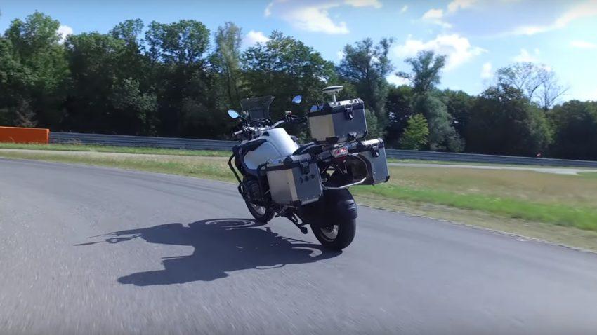 BMW entwickelt selbstfahrendes Motorrad