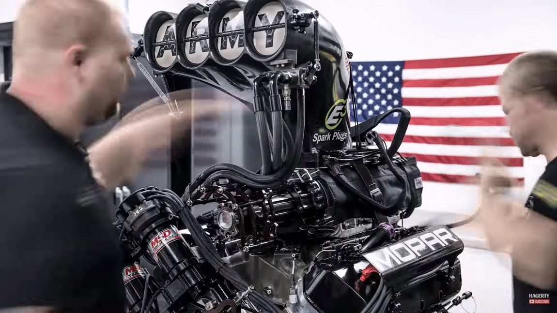 Wie man einen 11.000 PS-Motor auseinander- und wieder zusammenbaut