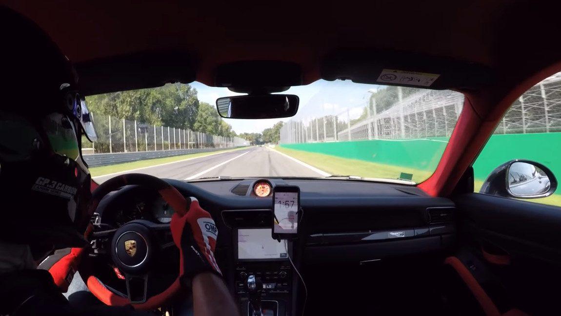 Reifenplatzer bei 300 km/h im Porsche 911 GT2 RS