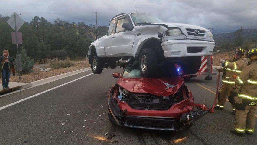 Stapelfahrer: SUV, garniert mit Pick-up