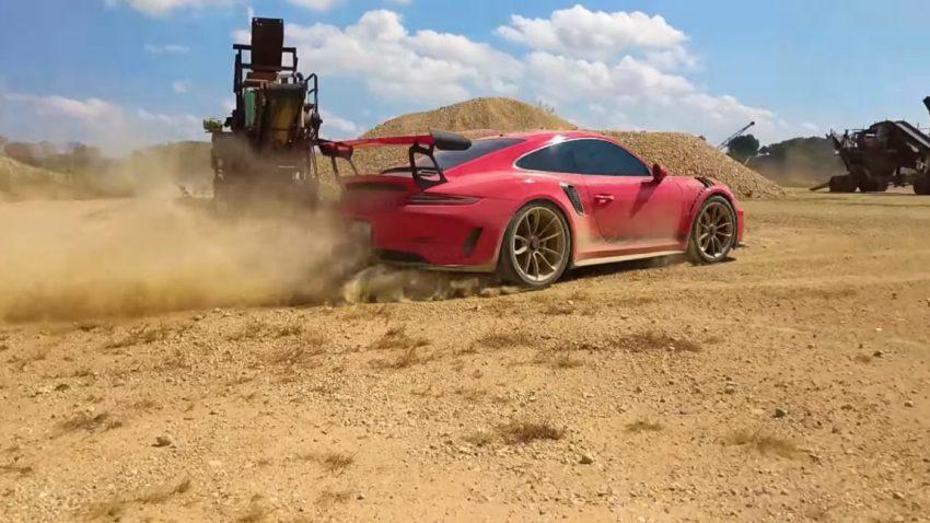 Steinschleuder: Porsche 911 GT3 RS lässt die Kiesel fliegen