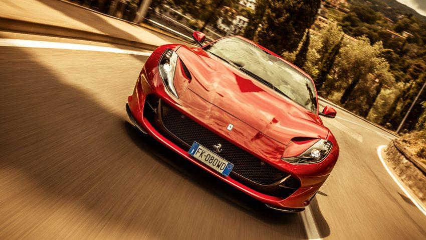 Ferrari 812 Superfast: Mach dich wet und Donnerwetter!