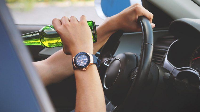 Betrunkener Fahrtest: So stark beeinträchtigt Alkohol die Fahrsicherheit