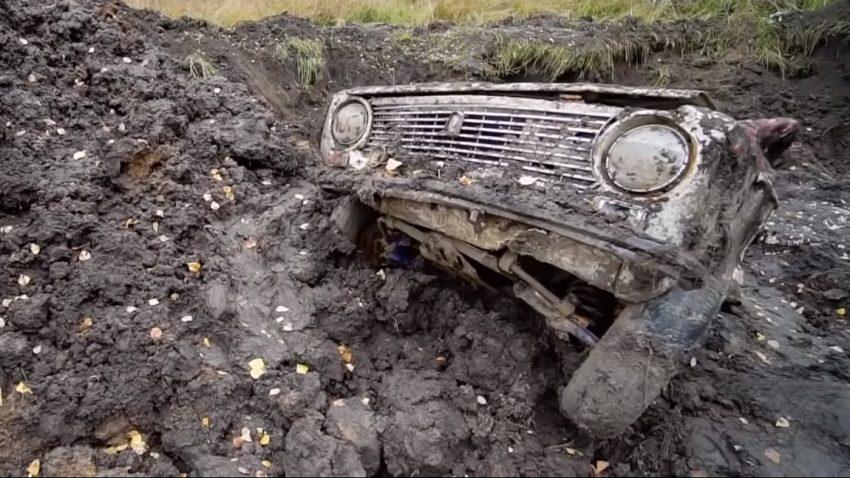 Ein Jahr unter der Erde - springen Lada, Toyota und Audi noch an?