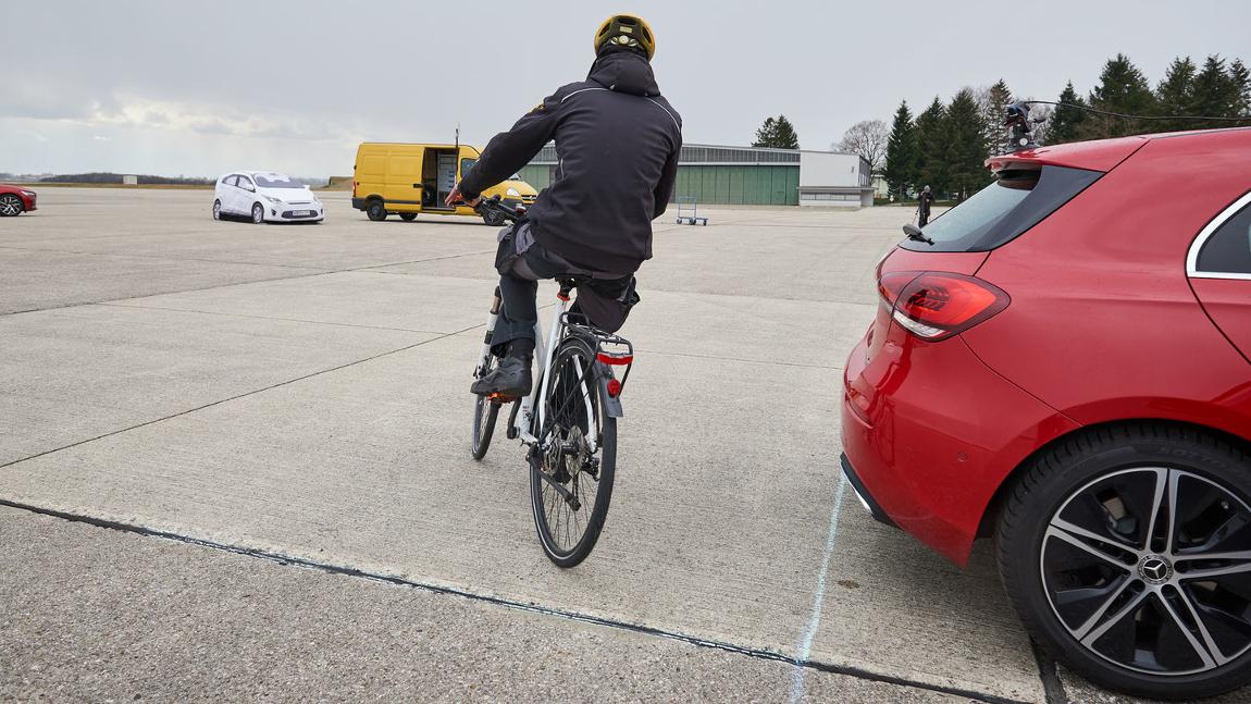 Parkassistenten mit Notbremssystem im Test