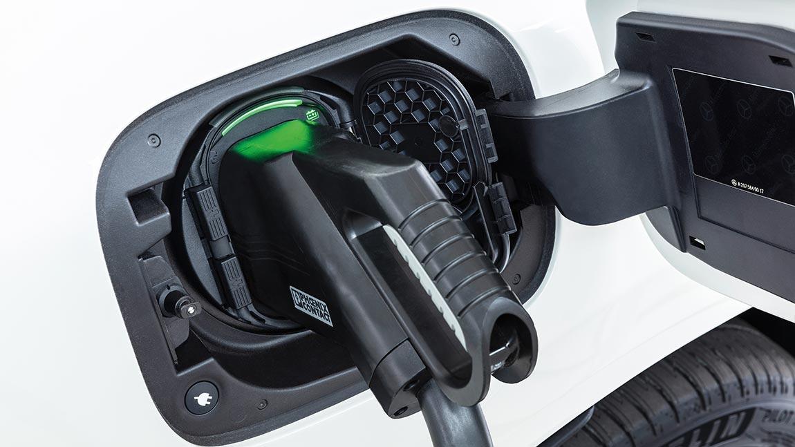 Elektroauto laden: Der Strom kommt aus der Steckdose