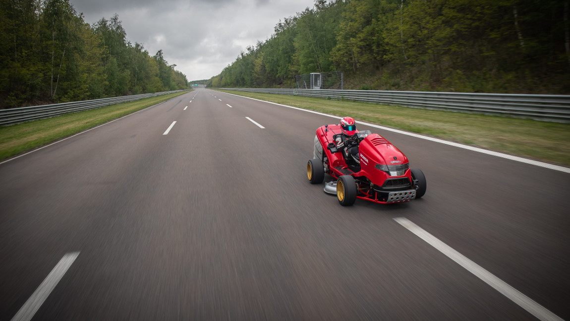 In 6,3 Sekunden von 0 auf 161 km/h: Rasenmäher-Weltrekord für Honda