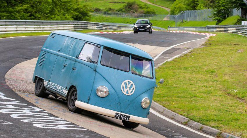 Bulli mit Porsche-Motor rockt den Nürburgring
