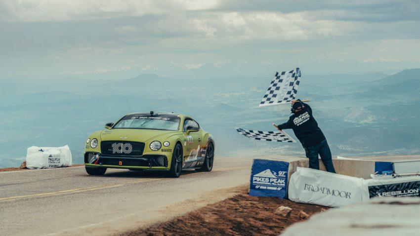 Die Rekordfahrt des Bentley Continental GT am Pikes Peak im Video