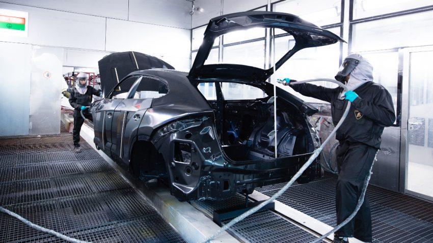 Ein Blick hinter die Kulissen von Lamborghinis neuer Lackiererei