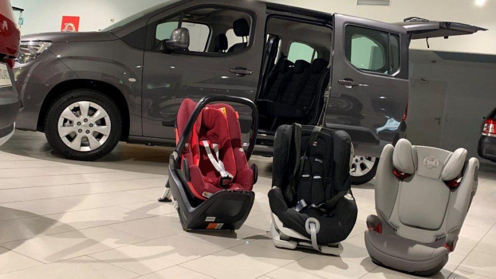 """Kindersitz-Test 2019: 24 Modelle von """"sehr gut"""" bis """"nicht genügend"""" [+ Einbau-Test]"""