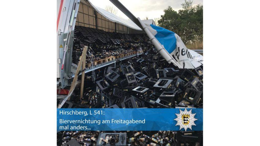 Über 10.000 Flaschen Bier auf deutscher Landstraße verteilt