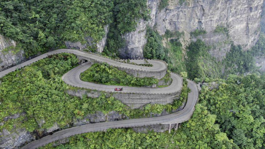 Neuer Hillclimb-Rekord für den Volkswagen ID.R: In 7:38,585 Minuten auf den Berg Tianmen
