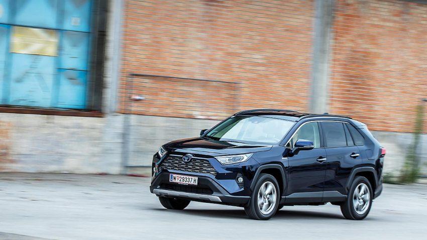 Toyota RAV4 Hybrid AWD-i: Harte Schale, leiser Kern