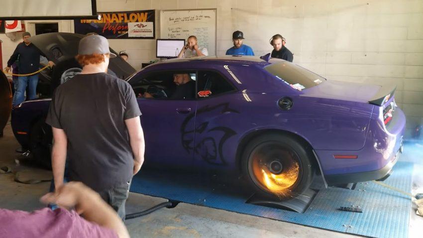 """""""Hot Wheels"""": Dodge Challenger Hellcat beginnt am Prüfstand zu brennen"""