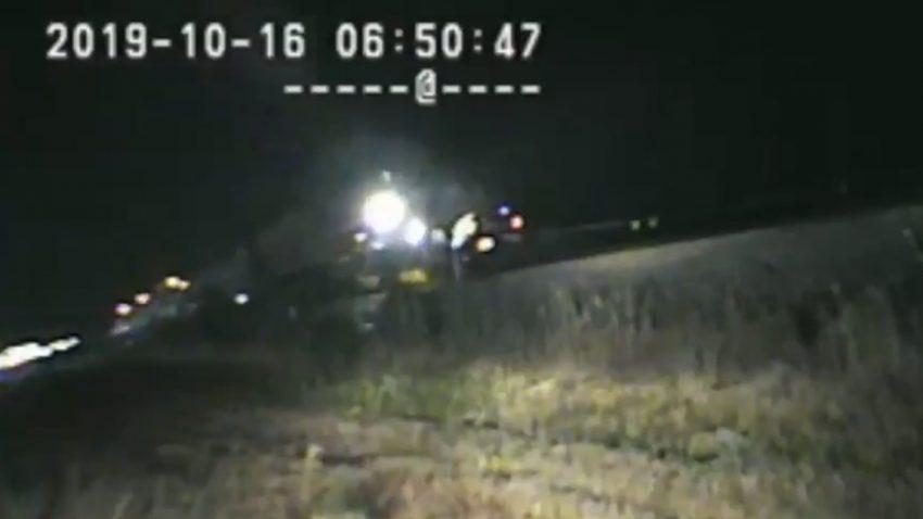 In letzter Sekunde: Polizist rettete Autofahrer vor Zug
