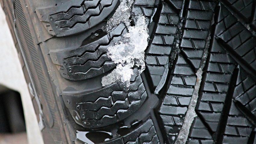 Was ist die Mindestprofiltiefe bei einem Reifen?