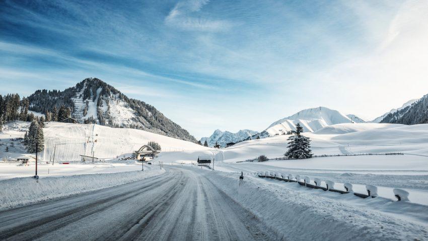 Bremsweg berechnen bei Schnee- und Eisfahrbahn