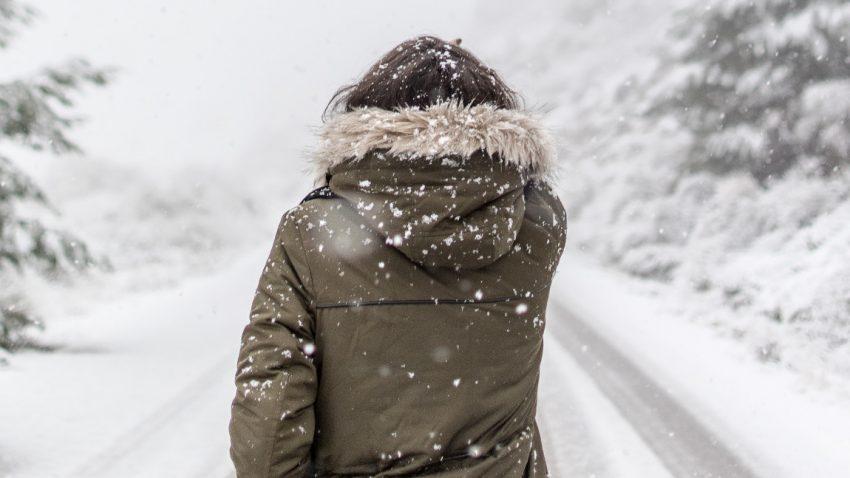 ÖAMTC warnt vor Gefahren bei Autofahrten mit Winterkleidung