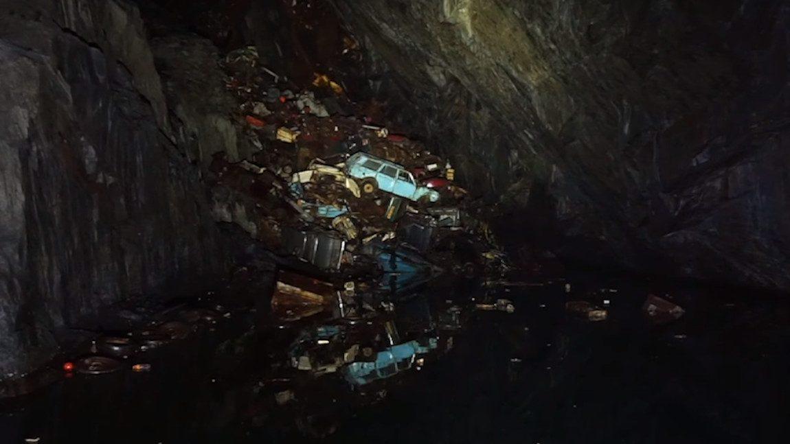 Car Cave: Der unterirdische Autofriedhof in Wales