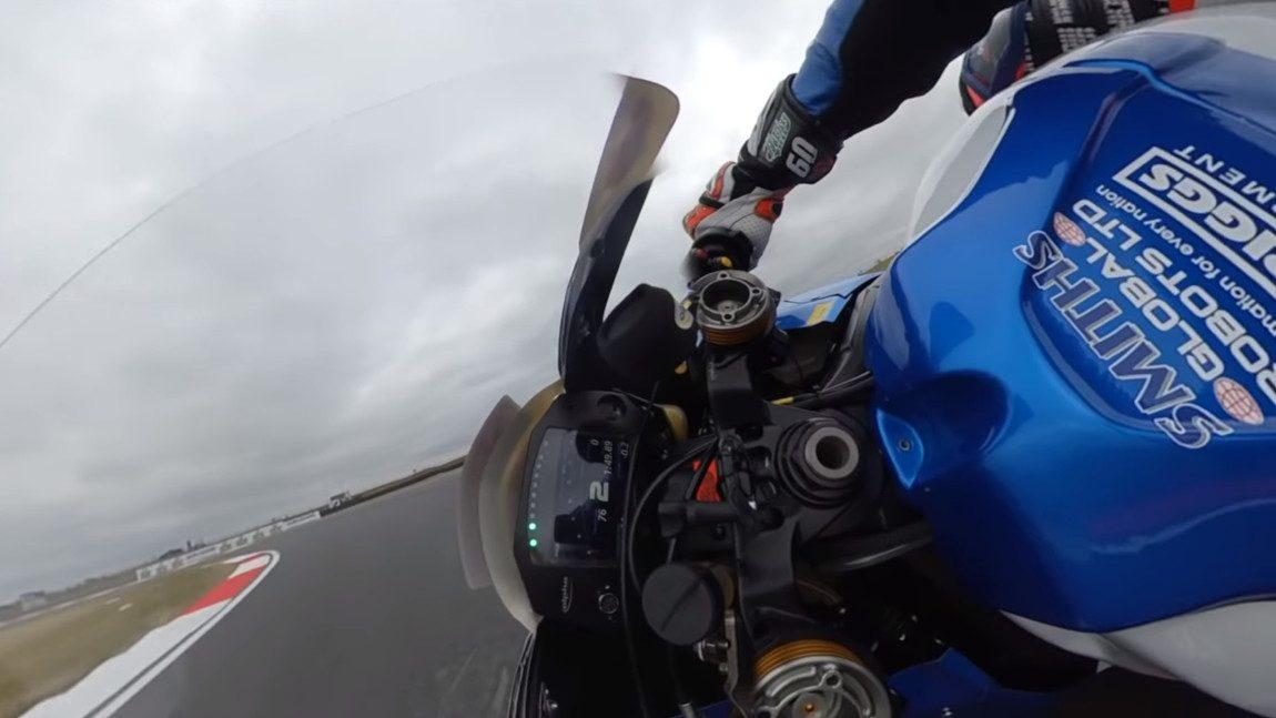 Schräglage, extrem: Superbike-Rennen aus der Ego-Perspektive