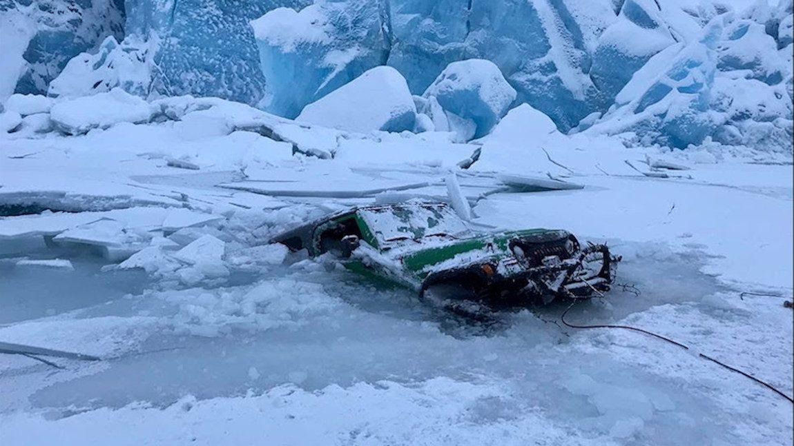 Gletschergeschichten: Wenn der Jeep ins Eis einbricht