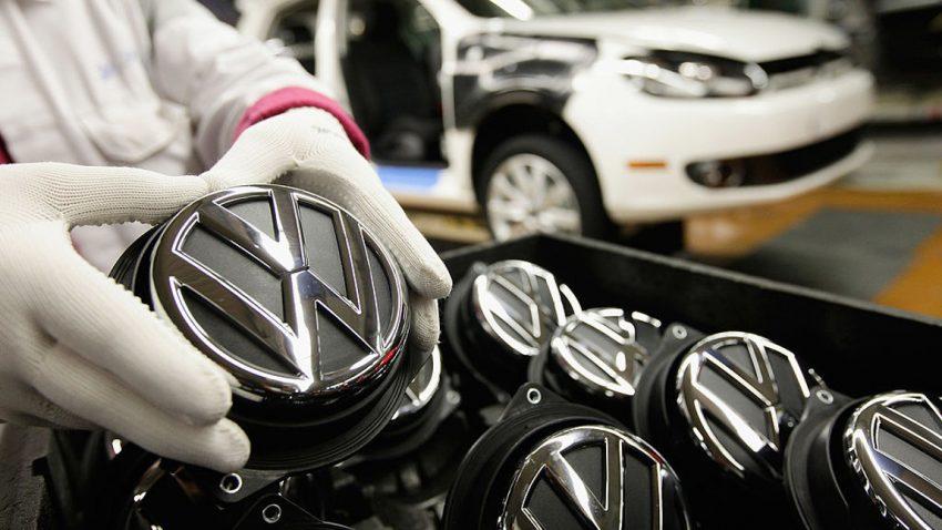 Emblem-Cleaning: Ist das Entfernen der Marke bzw. des Logos am Auto erlaubt?