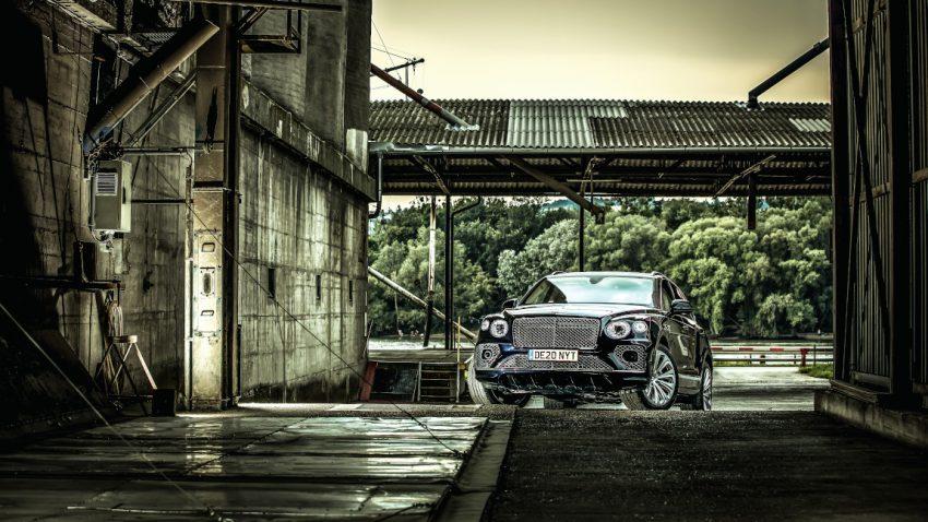 Bentley Bentayga V8: Zarter Schmelz im Schattenreich