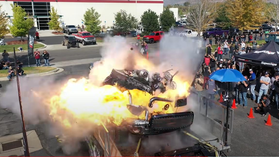 Wenn der 3000-PS-Truck am Prüfstand explodiert ...