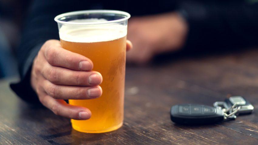 Alkoholisiert hinterm Steuer: Diese Strafen drohen
