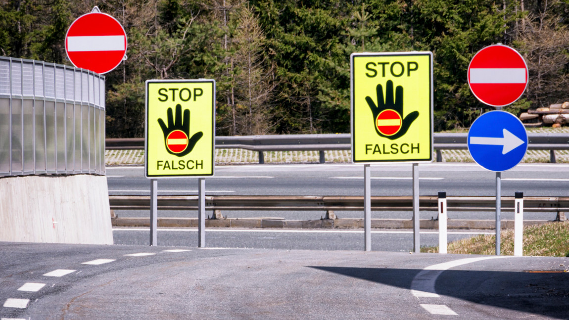 Geisterfahrer: Wie man richtig reagiert und welche Strafen drohen