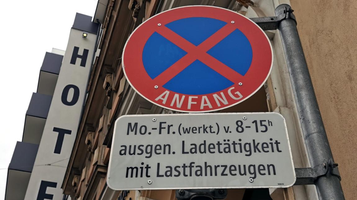 """""""Halten und Parken verboten"""": Alle Infos zu Halte- und Parkverboten in Österreich"""