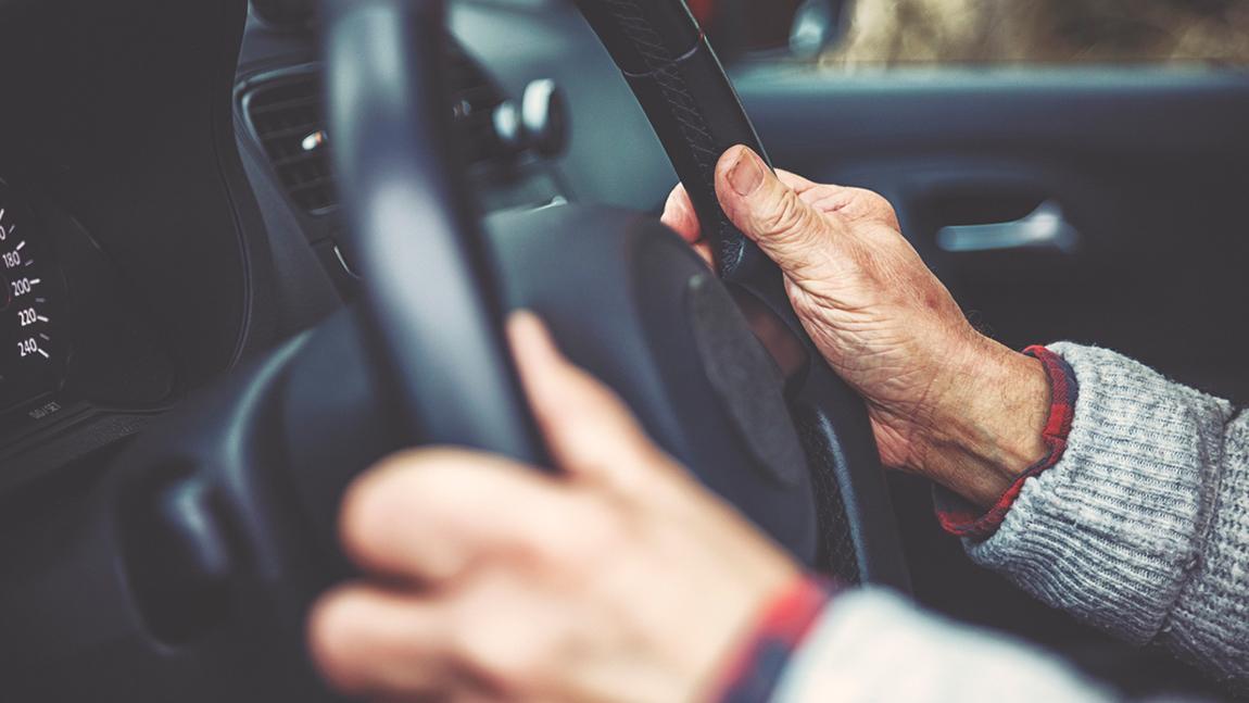 Autofahren im Alter: Diskussionen um verpflichtende Überprüfung der Fahrtauglichkeit