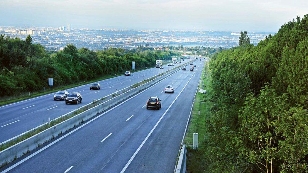 Die Autobahn-Vignette ist für 10 Tage, 30 Tage oder das ganze Jahr erhältlich.