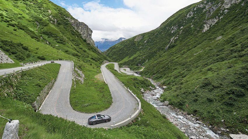 Im Targa auf Alpenfahrt